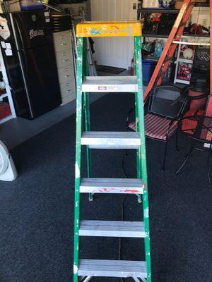 6 foot Louisville ladder for Sale in Pembroke Pines, FL