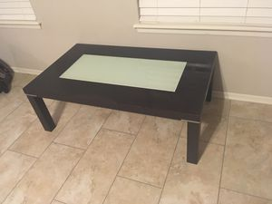Coffee table. Okay condition. for Sale in Owasso, OK