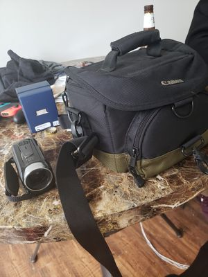 Canon vixia hf r40 for Sale in Glendale, OH