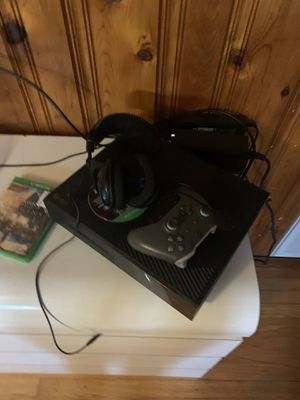 Xbox one 500gb for Sale in Bedford, VA