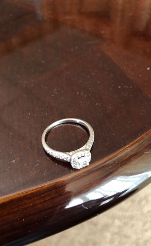 14ct white gold diamond engagement ring for Sale in Negaunee, MI
