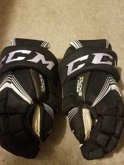"""CCM Tacks 7052 Ice Hockey Gloves Size 14"""" for Sale in Deltona,  FL"""