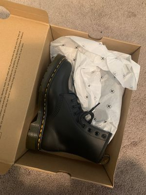Dr. Martens women size 7 for Sale in Fontana, CA