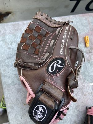 Fast pitch softball glove Rawlings for Sale in Cerritos, CA