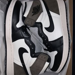 JORDAN 1 HIGH MOCHA for Sale in San Mateo, CA