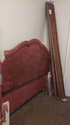 Queen Size Bed Frame for Sale in Memphis, TN