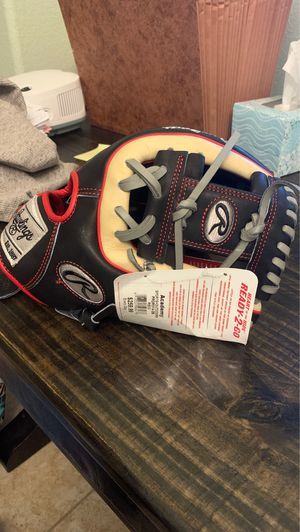 "Rawlings Heart of the Hide ""Ready to Go"" 11.5 inch infielders glove. for Sale in Round Rock, TX"