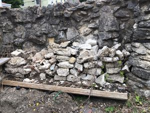 Free Stone, Brick, etc. Inquire for Address for Sale in Columbus, OH
