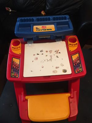 Step 2 Desk for kid in excellent condition for Sale in Philadelphia, PA