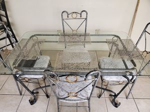 Antique table with chairs for Sale in Hialeah, FL