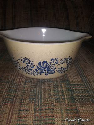 1 1/2 quart Pyrex dish for Sale in Indianapolis, IN