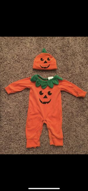 Halloween Baby pumpkin costume 0 to 6 months for Sale in Payson, AZ