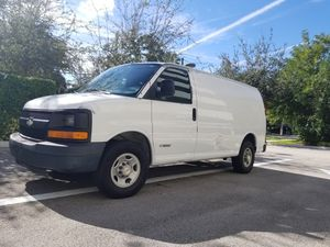 2006 CHEVY 2500 EXPRESS CARGO VAN for Sale in Miami, FL