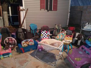 Baby and kids carseat, toys,bassinet, swings and much more for Sale in Peoria, AZ