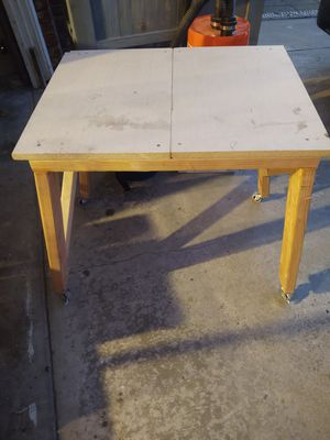 Table saw base with wheels for Sale in Chula Vista, CA
