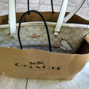 Coach Gallery Tote New With Tags 100% Authentic for Sale in Clearwater, FL