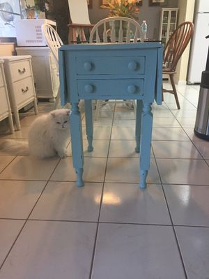 Antique Drop Leaf Table/Nightstand for Sale in Miramar, FL