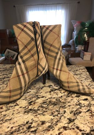 Burberry Boots size 40 for Sale in Dunwoody, GA