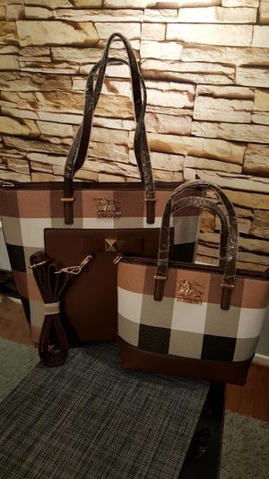QUALITY Tote, Bag and Wristlet for Sale in Stafford, VA