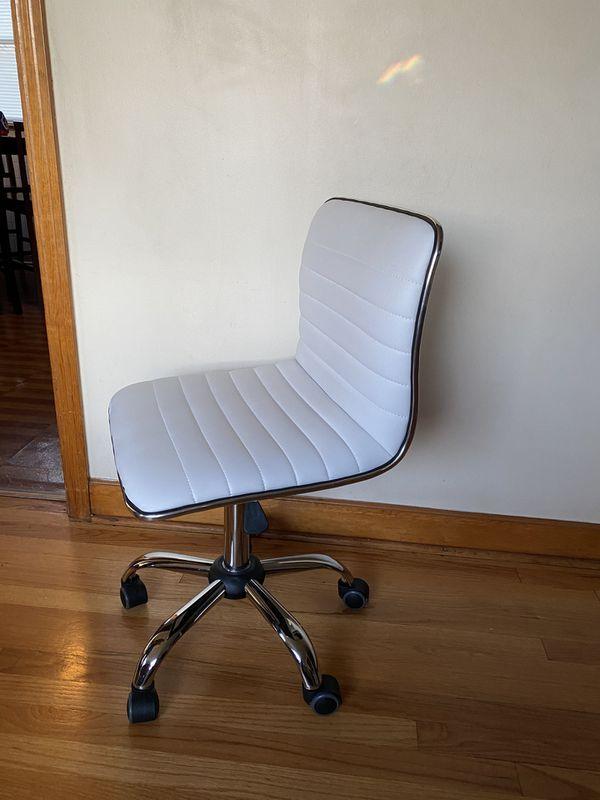5 Wheels Office Chair
