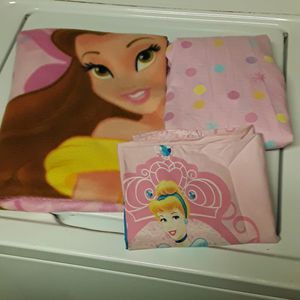 Disney Princess Toddler Bedding Bundle for Sale in Willow Springs, CA