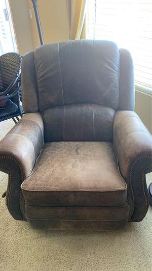 Leather recliner for Sale in La Quinta, CA