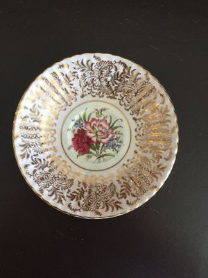 Vintage Paragon By Appointment To Her Majesty The Queen Tea Saucer for Sale in Miramar, FL
