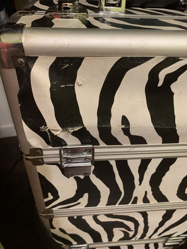 Large Makeup case with weels