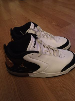 Jordan's Black, Gold, White. Size 8 for Sale in San Jose, CA