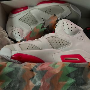 Air Jordan Retro 6 for Sale in Bristol, CT