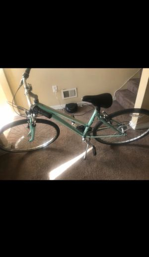 SCHWINN Mountain bike for Sale in Baltimore, MD