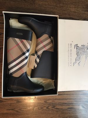 Burberry women clemence rain boots sz.6 New for Sale in Downers Grove, IL