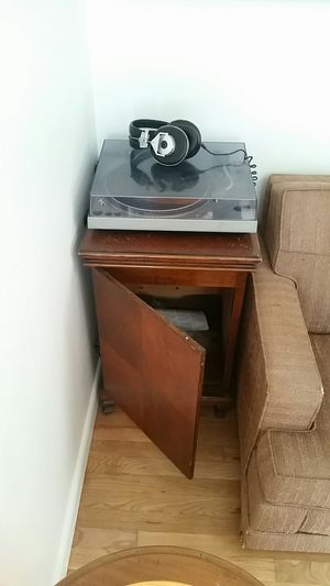 Antique Vintage Turntable / record player cabinet for Sale in Seattle, WA