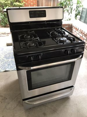 Frigidaire Freestanding Gas Range for Sale in Los Angeles, CA