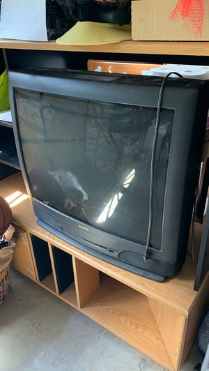 32 inch tv for Sale in McMinnville, OR