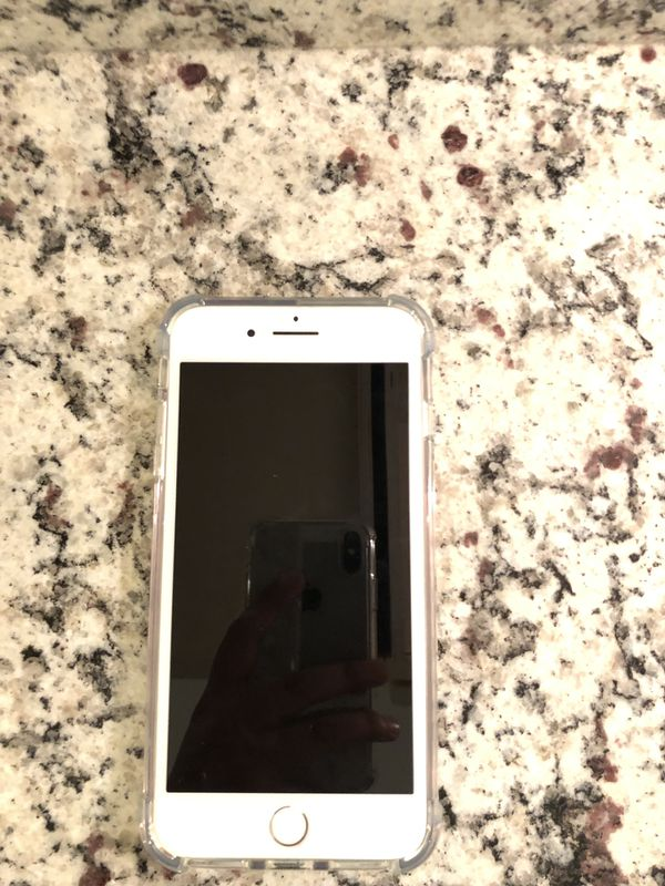 iPhone 7 Plus (Unlocked) 32GB Mint condition Silver