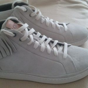 UGG NWOB MENS CALI FRINGE LEATHER SNEAKERS for Sale in Phoenixville, PA