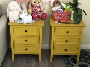 Pair of yellow bed tables end table lamp tables for Sale in Los Angeles, CA