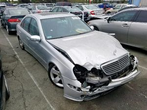 2006 MERCEDES E350 83 FOR PARTS CHEAP for Sale in Rocklin, CA