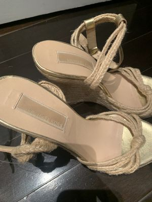 Michael Kora cute gold wedges SZ 6 for Sale in Miami, FL