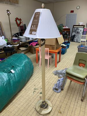 Floor lamp for Sale in Princeton, TX