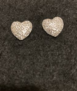 New Gorgeous 925 Sterling Silver Heart ❤️ Stud Earrings for Sale in Whittier,  CA