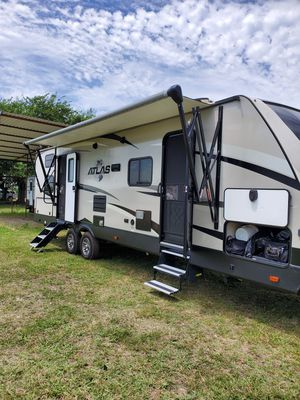 2018 next to new Atlas bunkhouse for Sale in Sherman, TX