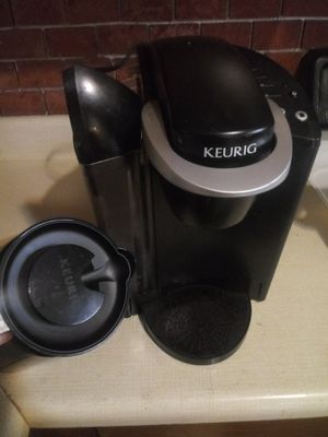 Keurig k cup coffee maker and coffee pot for Sale in Lafayette, LA