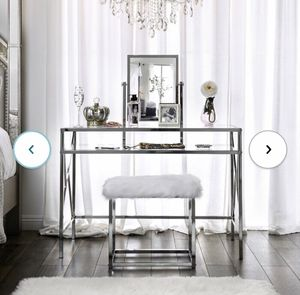 Makeup Vanity with Bench and Mirror for Sale in Ontario, CA