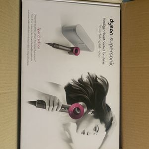 Dyson Supersonic Hair Dryer (Like New) for Sale in Columbus, OH