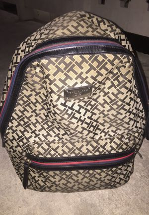 Tommy hilfiger backpack for Sale in North Miami, FL