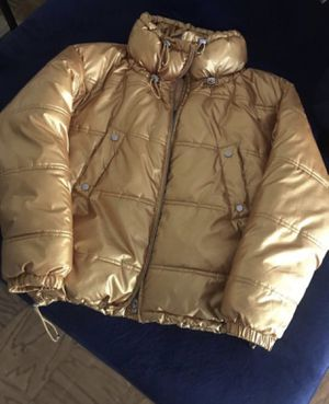 ZARA WOMENS BUBBLE COAT SIZE MEDIUM. NEED GONE PRICE IS FIRM for Sale in Lanham, MD