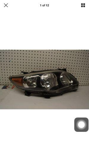 2011 2012 2013 Toyota Corolla Right Side Headlight Black OEM for Sale in Gardena, CA