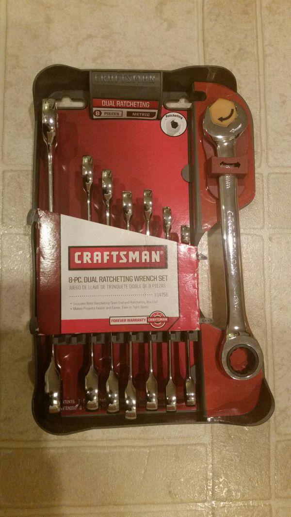 Craftsmen 8-piece dual ratcheting wrench set